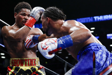 Keith Thurman outpoints Shawn Porter in fight of the year candidate!