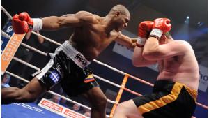 Heavyweight Contender Oscar Rivas Battles Jeremy Bates